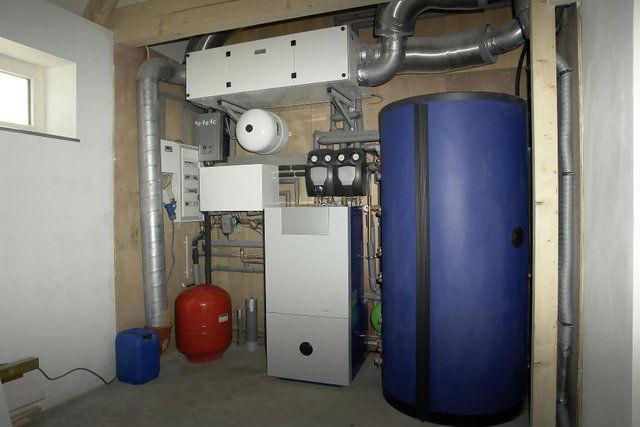 11-martie-2013-camera-tehnica-completa-pentru-instalatia-sanitara-si-instalatia-termica