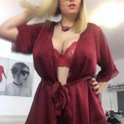 Adina - Escorta pentru sex total Romania