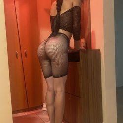 Miruna 20 bruneta slim si sexy - Te invit la un Masaj de calitate